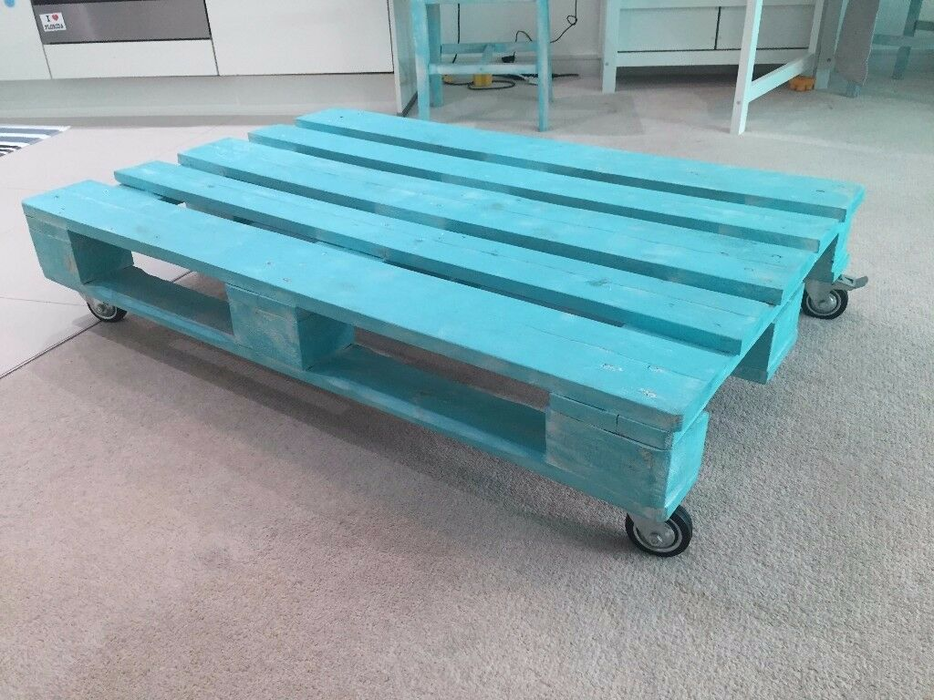 Wooden Pallet COFFEE TABLE teal, with wheels