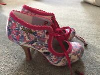 RUBY SHOO WILLOW SHOE BOOTS, SIZE 4