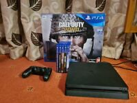 Sony Playstation4 500Gb console with 5 games and controller and original box