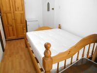 BILLS INCLUDED! EXCELLENT FIRST FLOOR STUDIO NEAR ZONE 3 TUBE, 24 HOUR BUSES & SUPERMARKETS