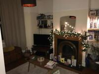 Room to rent in two bed terrace, Greenbank, Bristol - £400 p/m plus bills. Available 1st Feb 2018.