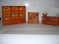 *Black Friday Bargain* - Three pieces of furniture for dolls house or shop - lovely quality - unused