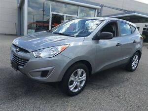 2013 Hyundai Tucson Show Room Condition *Rare Manual Transmissio Kitchener / Waterloo Kitchener Area image 3