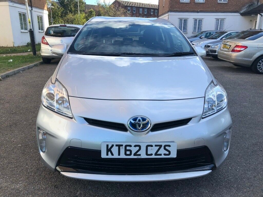 Toyota Prius 1 8 Hybrid Electric Year 2017 Very Low Mileage Previous Owner Hpi Clear