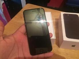 Iphone 7 - 32gb - unlocked Matt black READ ADD