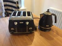 Delonghi Toaster and Kettle