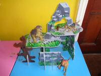 CHILD'S ALL WOODEN DINOSAUR MOUNTAIN+DINOSAURS
