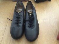 Capezio Tao shoes size 8 capesio size fits size 6