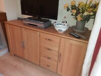 Oak Furnitureland nearly new sideboard