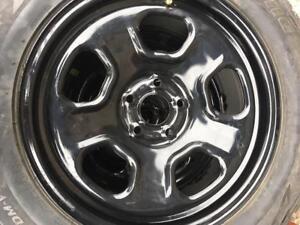 245/60/18 Bridgestone blizzak 10-11/32 + rims Ford 18pouces   5x114.3.