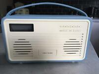 Retro DAB radio with iPhone docking station