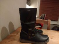 Women's boots, size 7.5 (41)