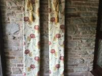 2 Pairs of Heavy Duty Curtains in a beautiful gold and red