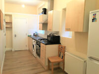 A compact one bedroom flat conveniently located for Ealing Broadway station