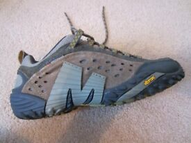 Merrell trainers never worn (6.5uk)
