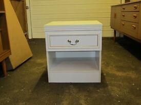 Bedside table in white very good condition.