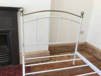 Traditional Style Metal Single Bed No Mattress / Can Deliver