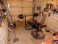 Gym station, chest+legs bench including x2 dumbells