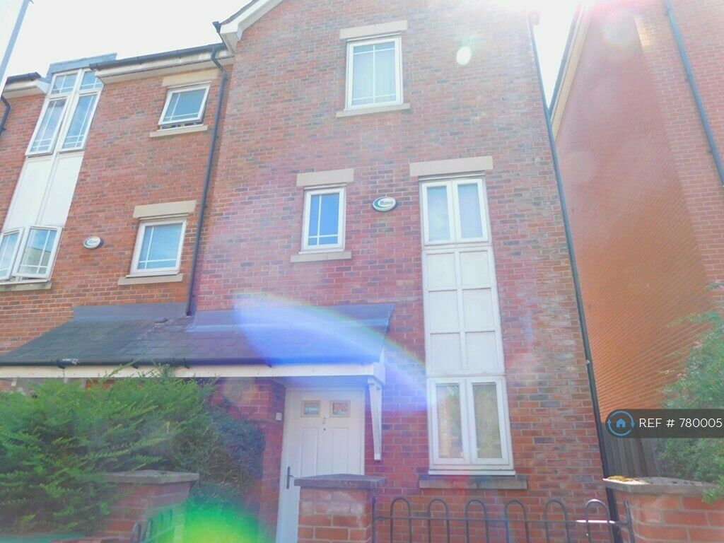 4 bedroom house in Mackworth Street, Manchester, M15 (4 ...