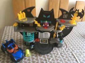 Batman imaginext , motorbike , 3 figures & batman pull back car