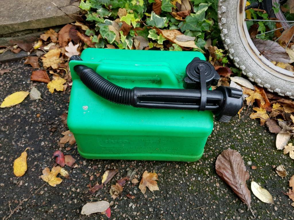 5l used green petrol container