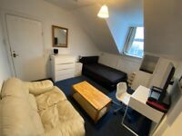NEAR BRIGHTON STATION & SEVEN DIALS - Large Furnished Room, WIFI, WATER & COUNCIL TAX INCLUDED
