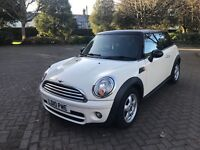 MINI Hatch 1.6 Cooper Automatic Diesel 3dr 2010 White / Black Roof