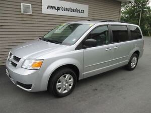 2010 Dodge Grand Caravan STOW N GO!!!!