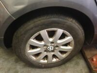 Set of 4 VW Golf mk5 15 inch alloy wheels with 4 very good tyres
