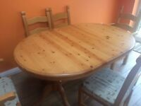 Extendable pine table and 5 chairs