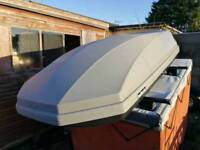 Halfords roof box 470ltr