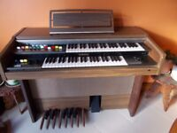 YAMAHA ELECTRIC ORGAN/PIANO