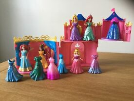 Magic clip dolls and Aurora castle
