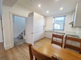 Newly refurbished delightful 2 bedroom, 2 bathroom flat Walworth.