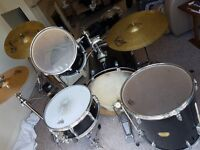 Yamaha YD Series Drum kit in Black (with assorted cymbals)