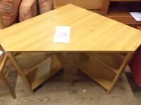 [SLC1/250] Nice large corner computer desk, optional chairs available! W 127cm x B 85cm x H 73cm
