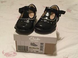 clarks girls 4f