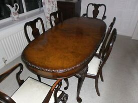QUEEN ANNE STYLE DINING TABLE AND 6 CHAIRS