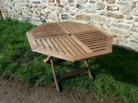 Octagonal folding garden table