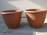 2 pots - 40cm woodlands round terracotta colour (plastic) pots.