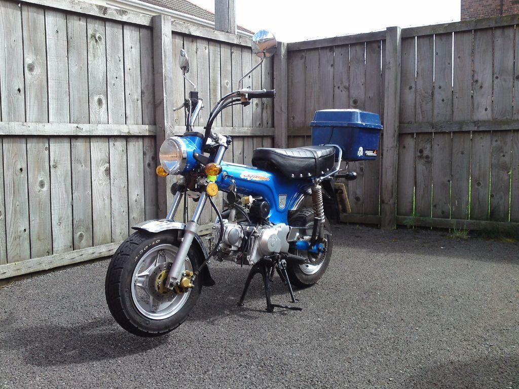 skyteam st50 dax monkey bike 50cc learner manual 49cc honda dax bike in durham county durham. Black Bedroom Furniture Sets. Home Design Ideas