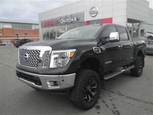 2017 Nissan Titan SL Lifted nav Leather