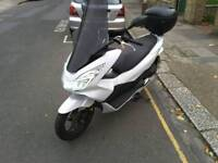 Honda pcx 125 2016 very good condition only 1799 no offers