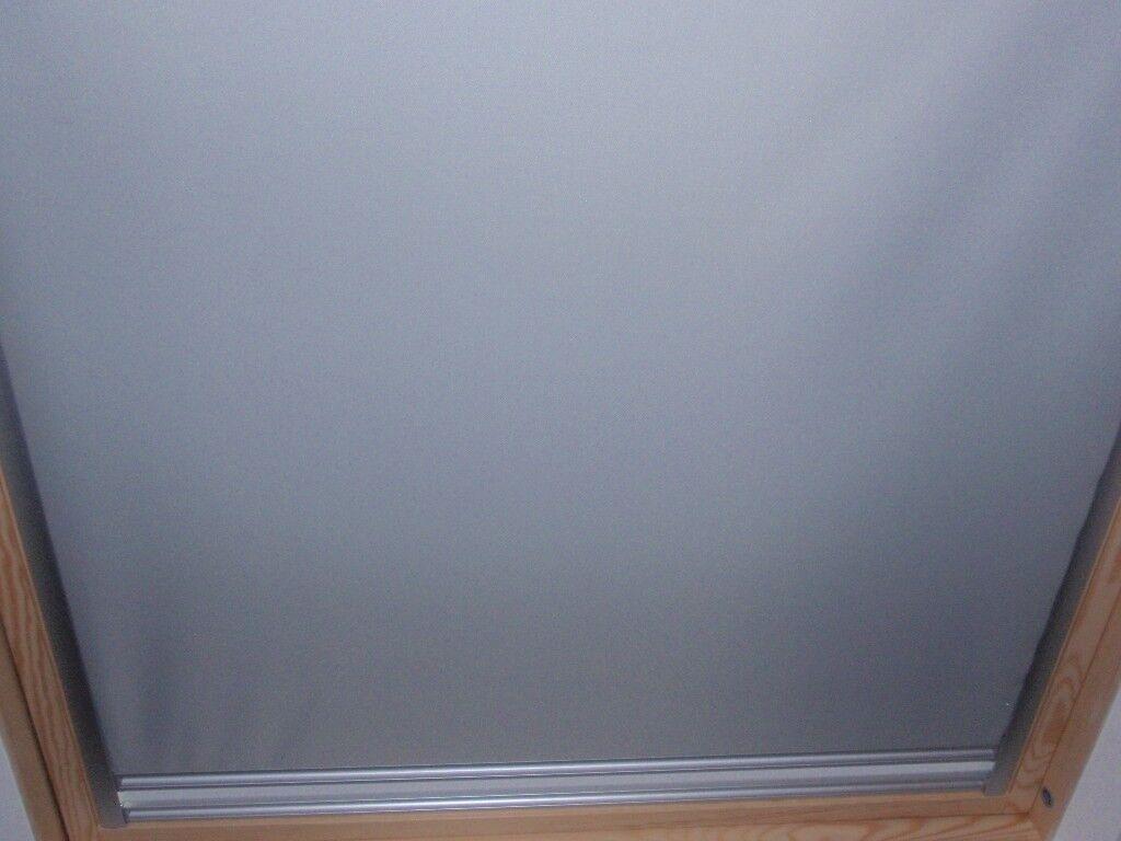 Velux Light Grey/White duo blackout blind GGL SK06