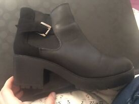 Women's leather black ankle boots 7/41