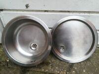 Round kitchen sink and drainer