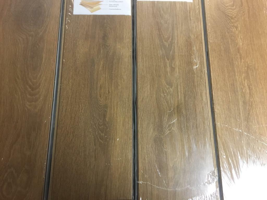 X26 Packs Sunrise Oak 8mm Laminate Flooring 52m2 Coverage