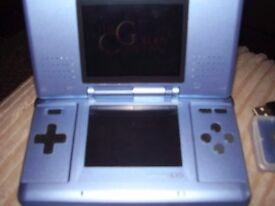 NINTENDO DS WITH 4 GAMES AND CASE AND POKEMON SAPHIRE