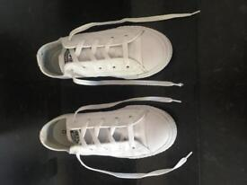 Boys/girls white leather converse size 2