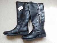 Lotus size 6 womens black boots